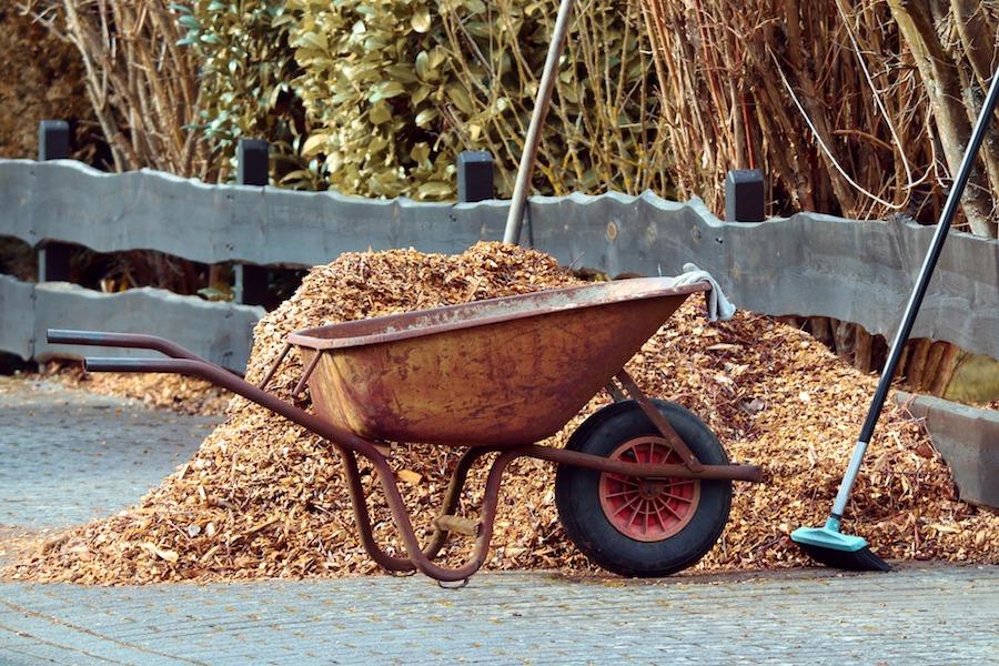 Five Ways Mulch Benefits Your Garden
